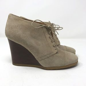 J.Crew Lace Up Booties Size 9 Tan Suede